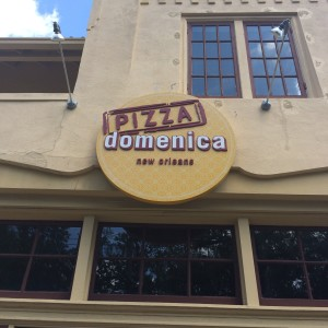 pizza domenica outside